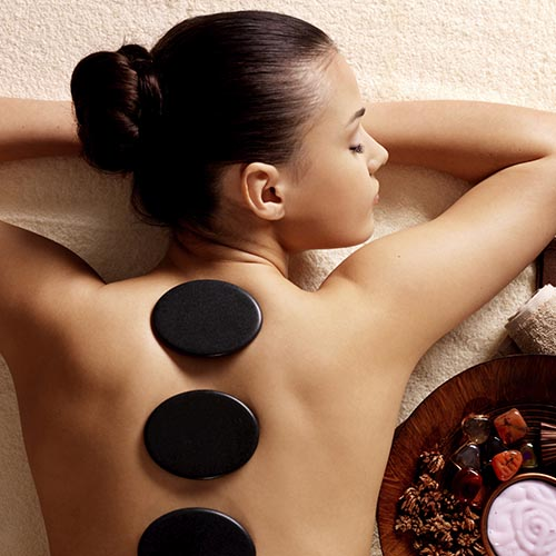 Masaje de piedras calientes